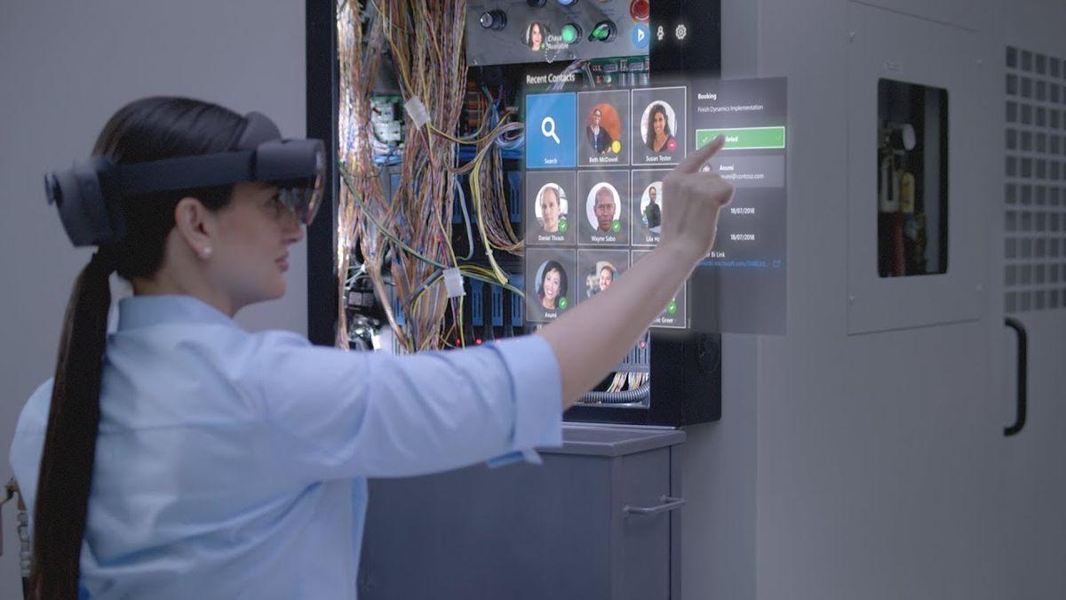 Microsoft HoloLens 2: полный обзор новых AR очков